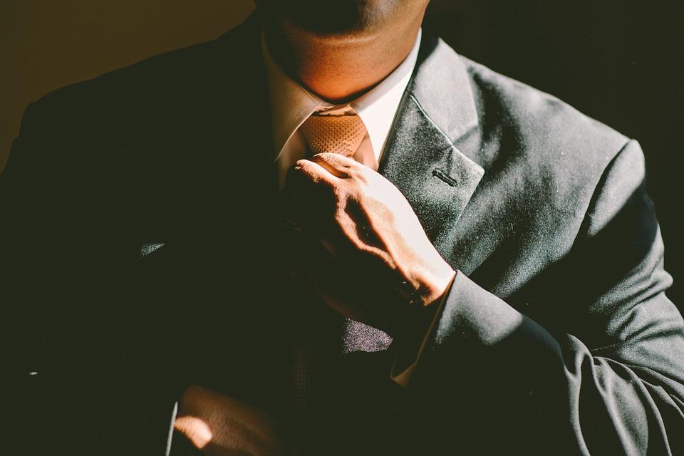 lector cuello corbata